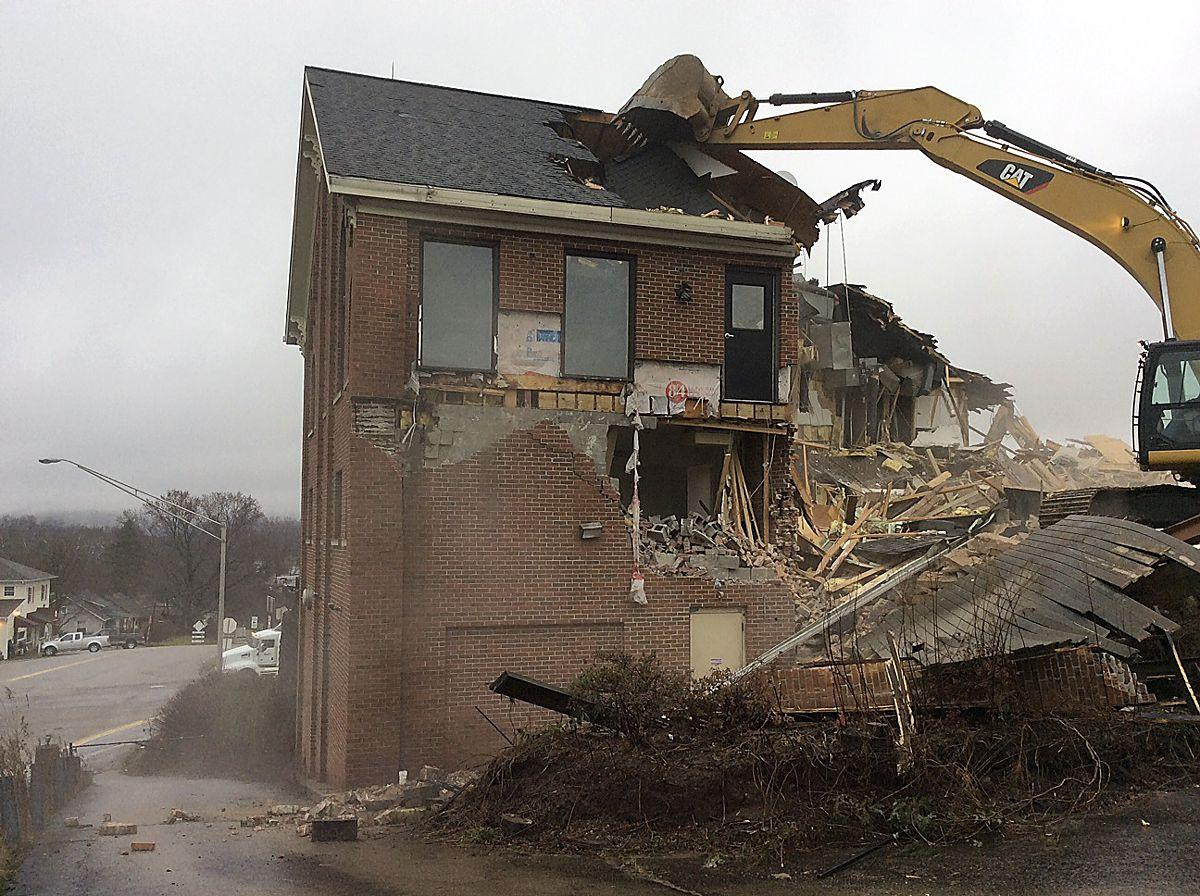 King of the Hill Steakhouse demolished for I-70 project