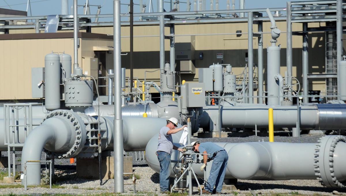 pipeline operator enbridge to buy spectra for 28b