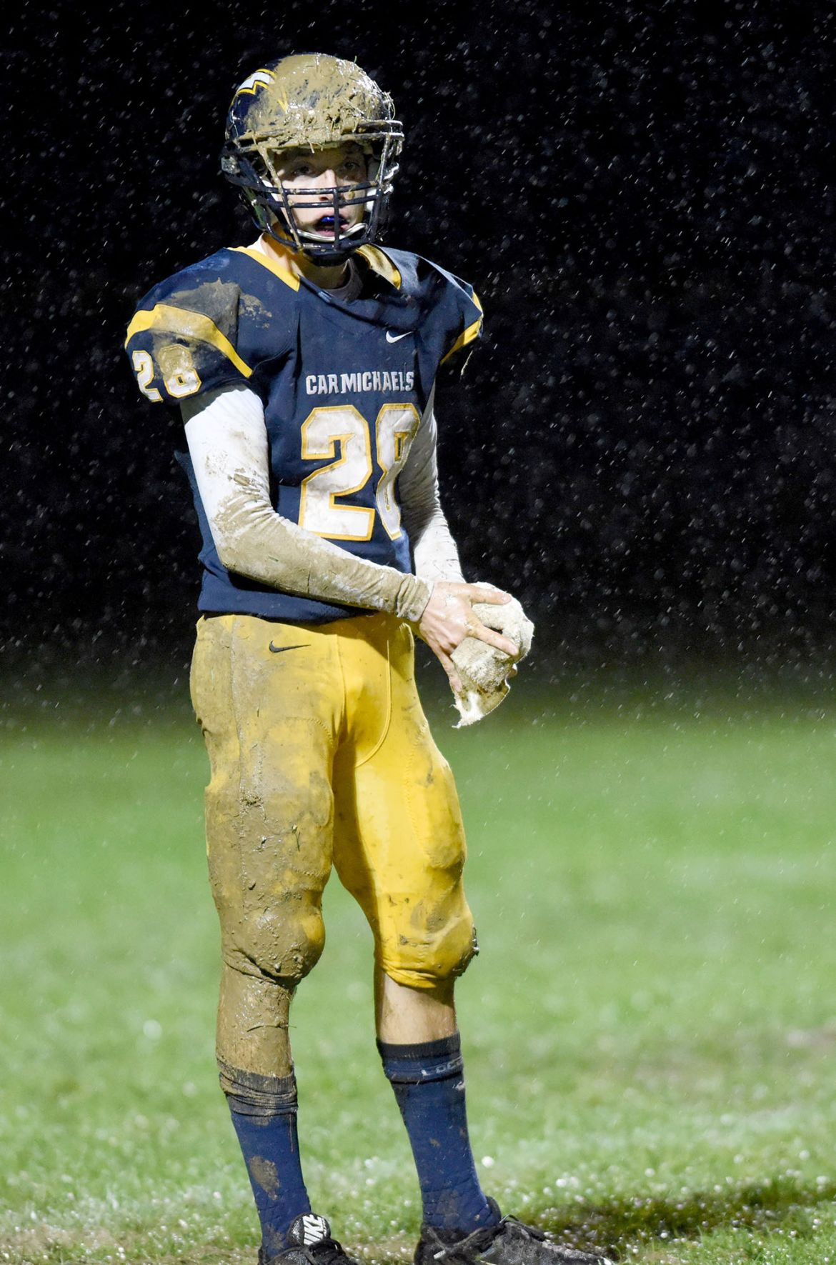 Mikes control line of scrimmage against FC, win conference title (copy)