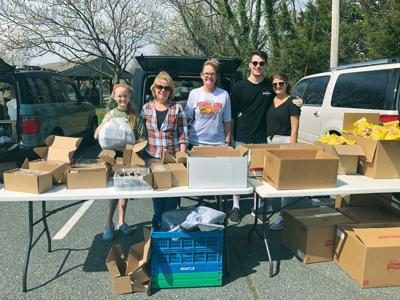 Community gives, collects food for Wor. Co. students