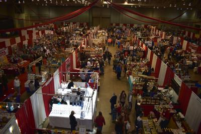 Holiday Shopper's Fair offers jewelry, clothing, pet items