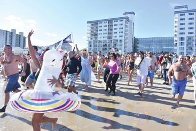 Over 700 participants for annual AGHPenguin Swim