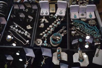 Gem, mineral, jewelry show at conv. center this weekend