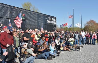 Vietnam memorial rolls into Pines with extensive escort