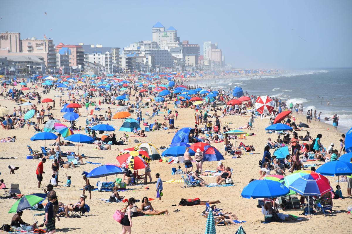 Memorial Day beach crowd