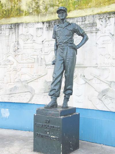 137 Statue of Leclerc in Douala