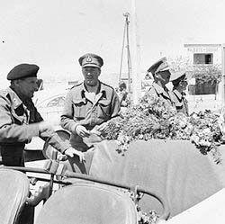 Erskine (centre) with Bernard Montgomery (left)