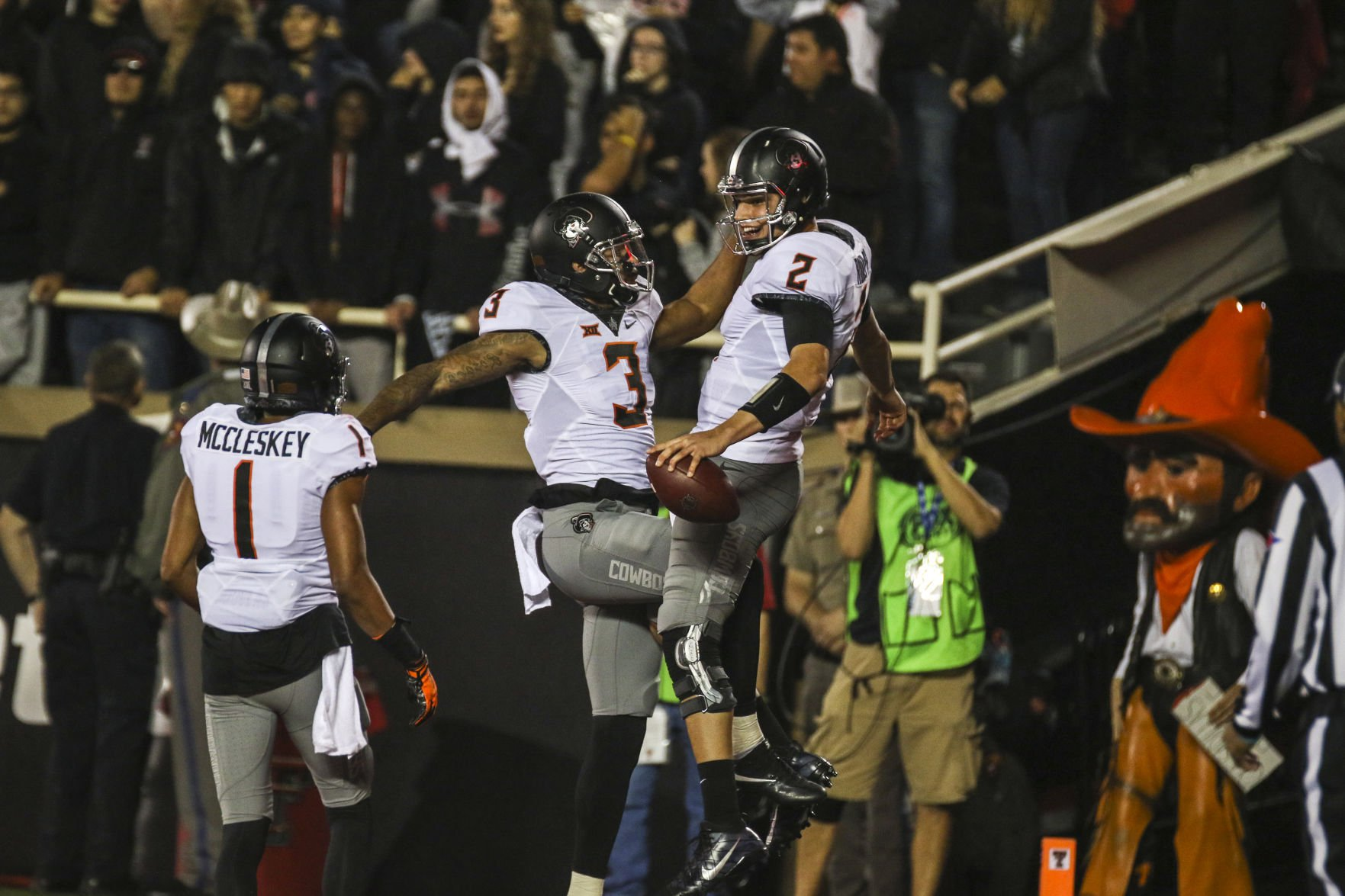 Twitter reacts to gutsy, surprise onside kick by Texas Tech