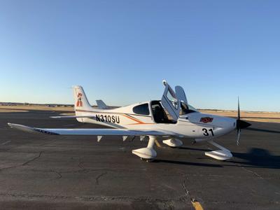 Cirrus SR20 plane