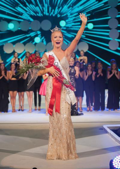 Miss Oklahoma winning.JPG