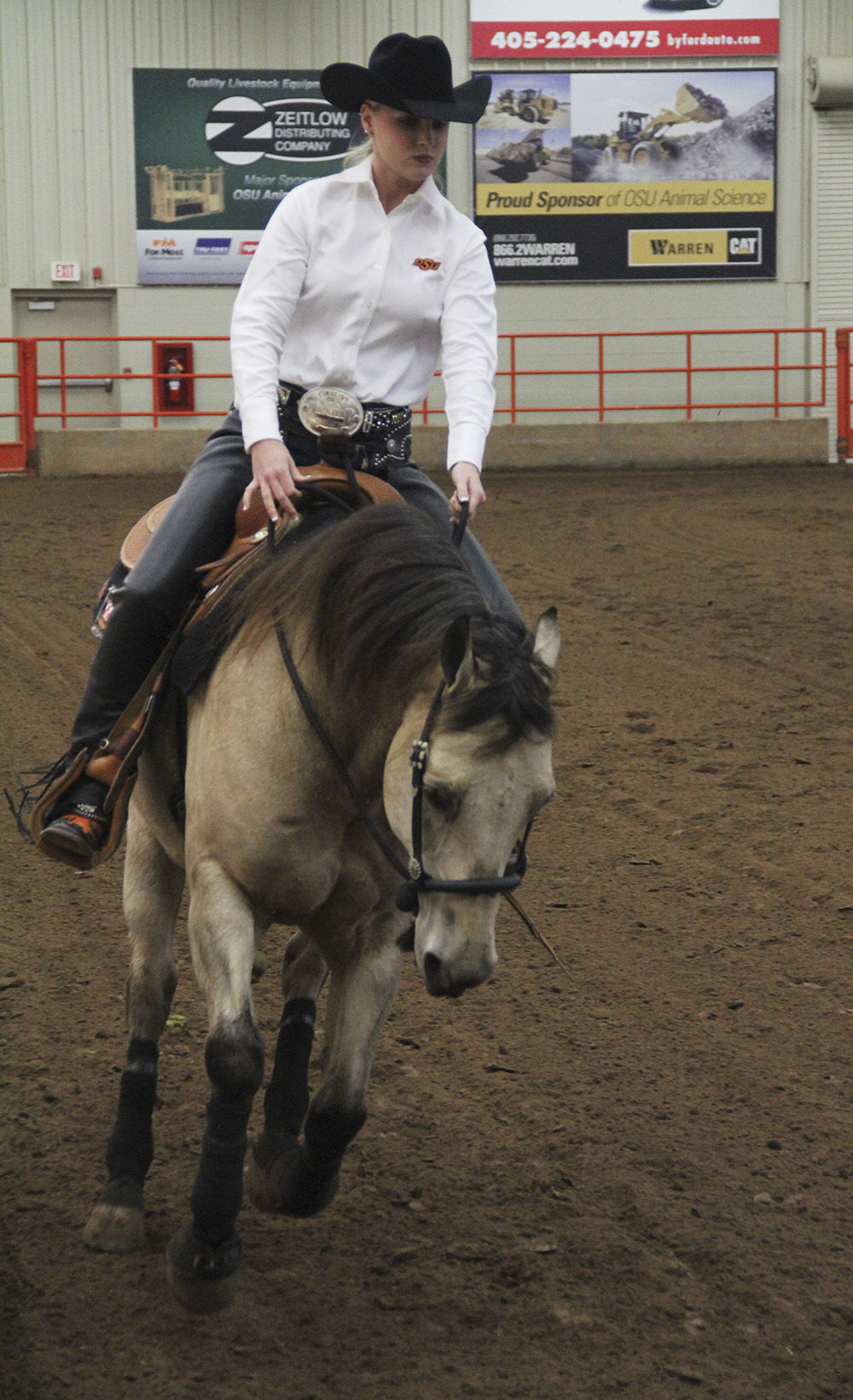 Justine Peters Overcomes Injury Impacts Equestrian Team