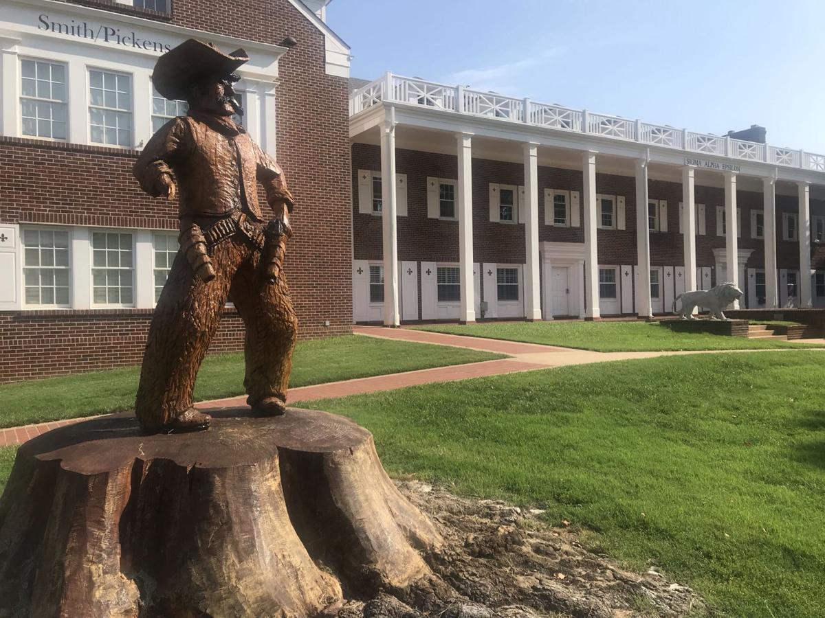 Pistol Pete Statue Vandalized 1