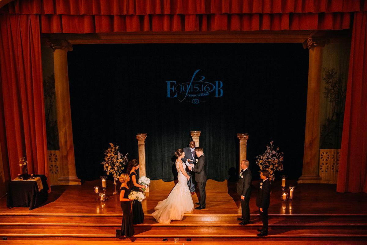 WeddingEssentialsOmaha_RealWedding_BrittanyElliott_GleasonPhotography_072.jpg