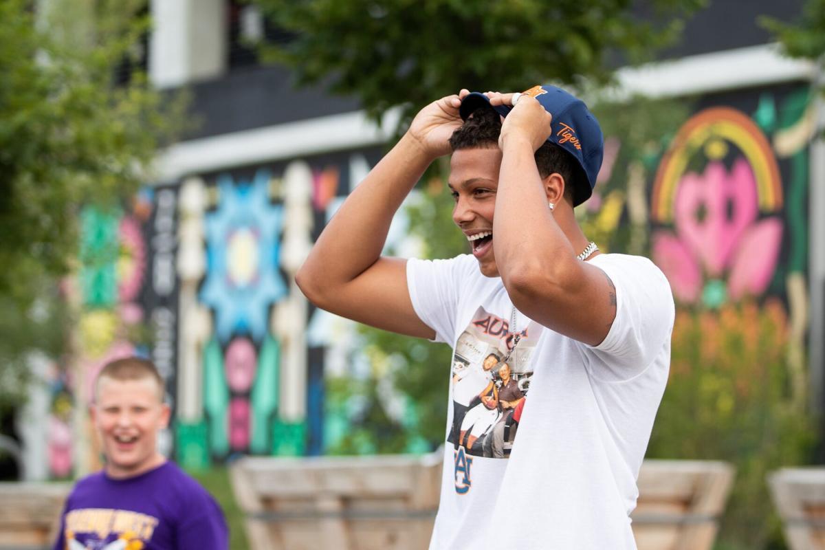 Bellevue West's Micah Riley-Ducker commits to Auburn