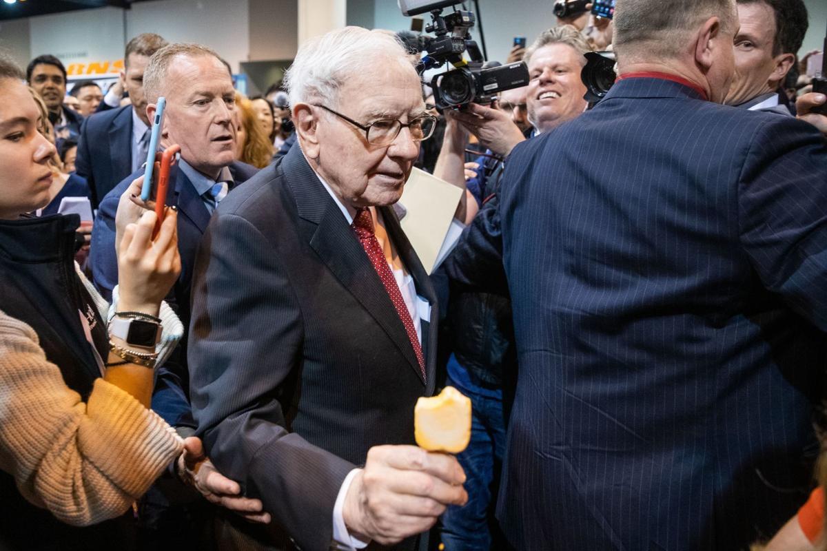 Warren Buffett calls off annual Berkshire meeting in Omaha