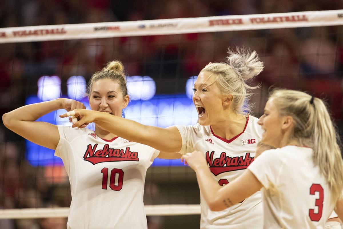 Nebraska volleyball defeats Creighton to earn 19th straight