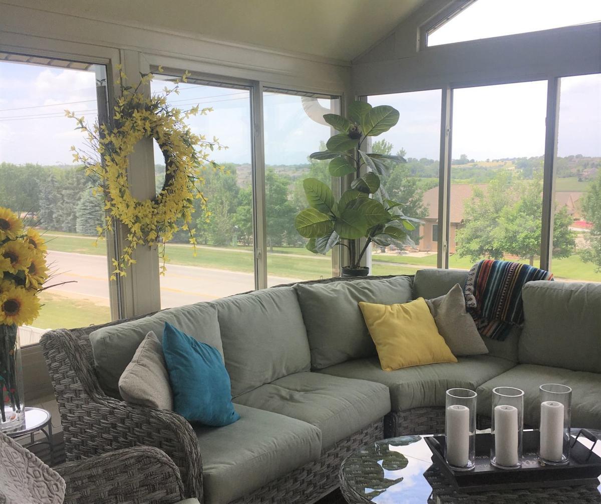 Sunroom or deck remodel nebraska shares top 3 for Sunroom designs of nebraska