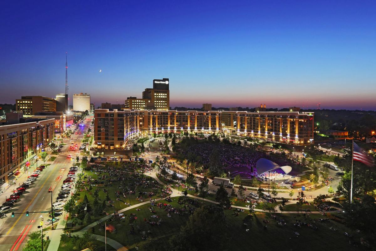 Midtown Crossing Events Omaha Events Things To Do In >> The Pulse Of Midtown Crossing Special Sections Omaha Com