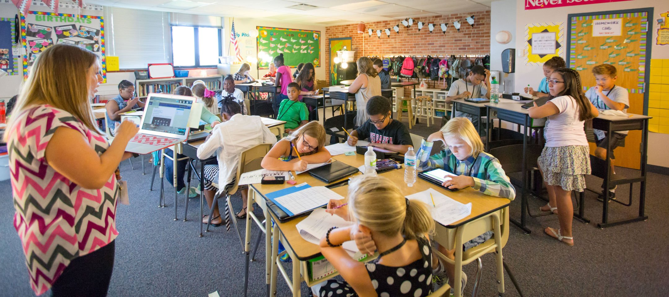 Westgate Fifth Grade Teacher Erin Zabawa Split Her Class Into Two Groups  That Switch Every Two Weeks Between The Sitting And Standing Desks.
