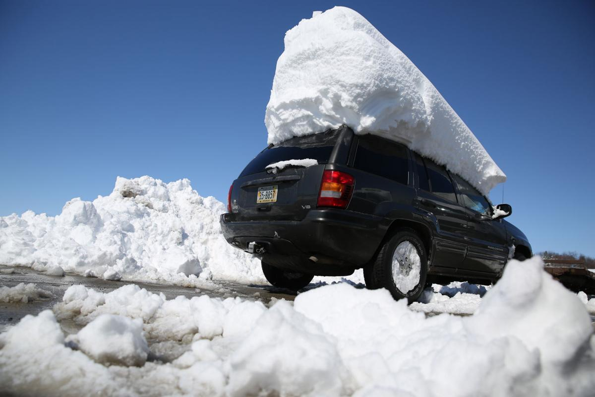 Nebraskans dig out after spring storm drops a foot of snow ...
