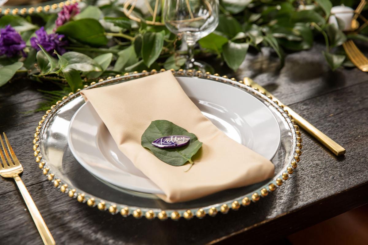 WeddingEssentialsOmaha_StyledShoot_HotelDeco_KIMDYERPHOTOGRAPHY_021.jpg