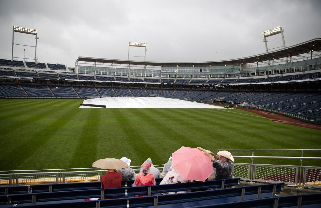 Weather halts College World Series before play