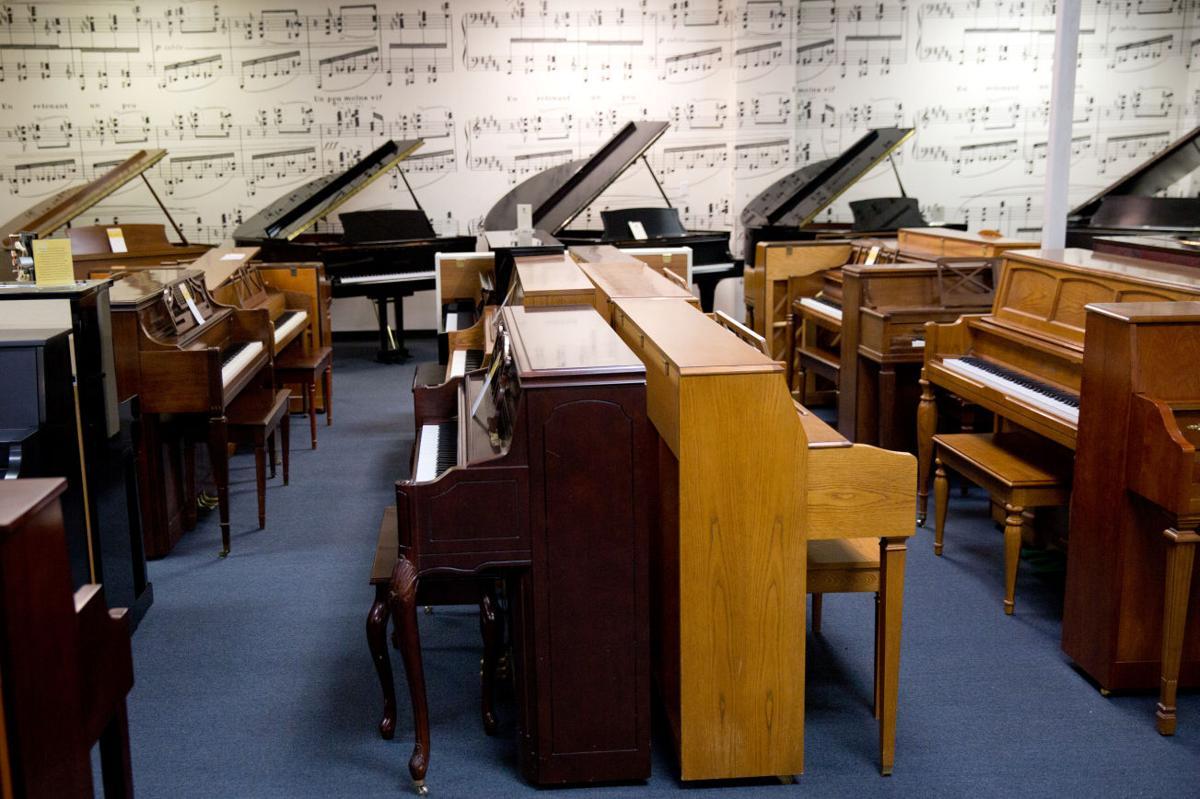 surviving piano stores diversify as customers favor digital models money. Black Bedroom Furniture Sets. Home Design Ideas