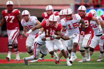 Huskers' offensive line feels urgency to run the ball better, aims for better consistency in 2017