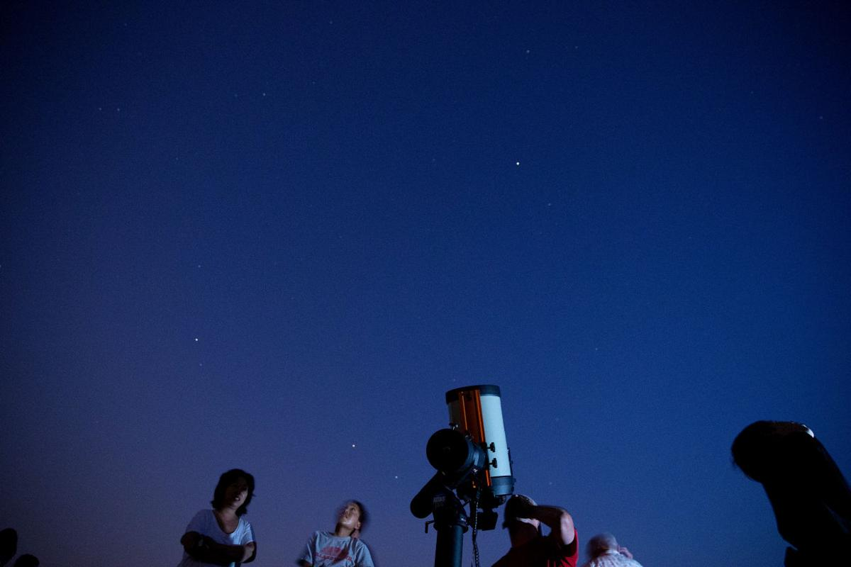 Networking under the night sky [JUMP]Omaha astronomy club welcomes anyone with a passion for telescopes, stargazing and mixing science and fun By Carol Bicak World-Herald staff writer