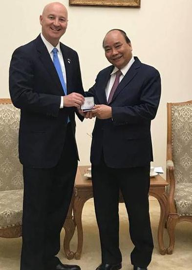 Ricketts and Vietnamese prime minister meet