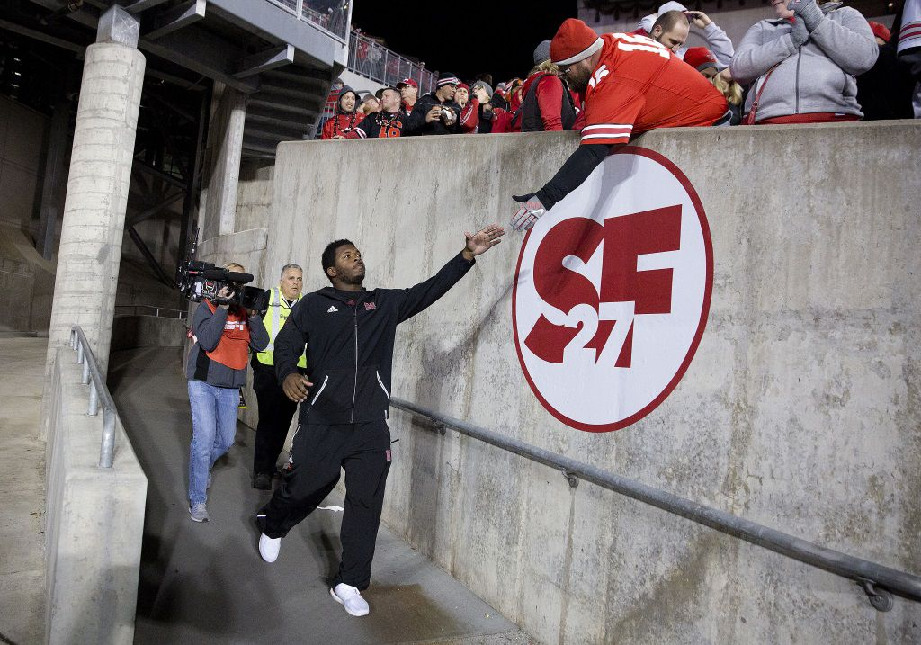 Tommy Armstrong returns to stadium after leaving in ambulance with head injury
