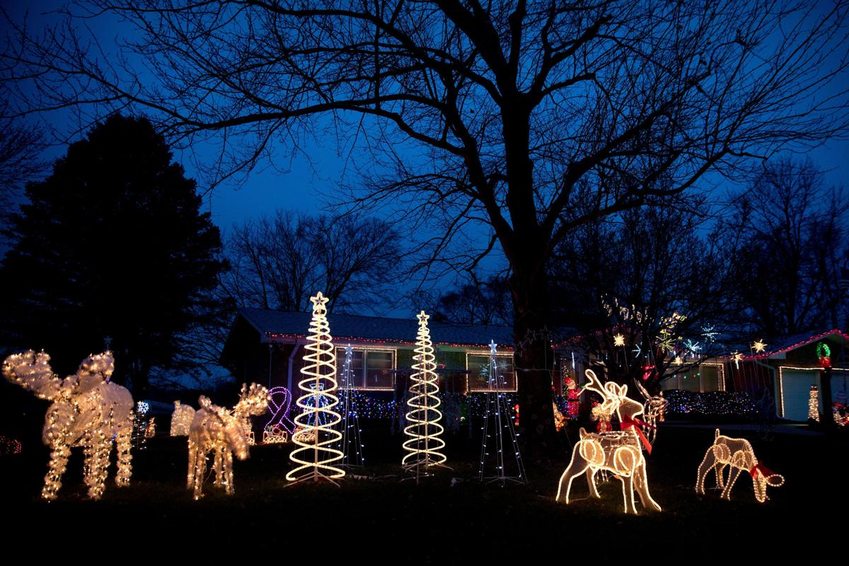 holiday lights at 8406 n 47th st - Holiday Christmas Lights