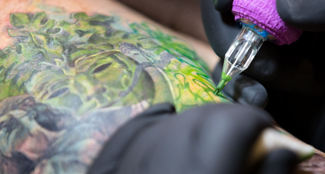 Thousands of colorful characters convene for Midwest Tattoo ...