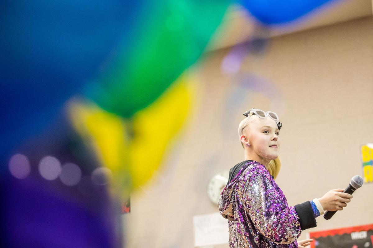 Teen music sensation JoJo Siwa makes surprise visit to Omaha school
