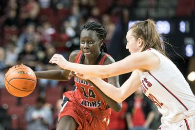 Lincoln High's Nyayongah Gony, a top-100 girls basketball recruit, commits to Miami