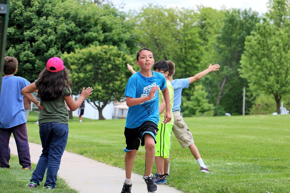 Meadows students run to support Adler scholarship