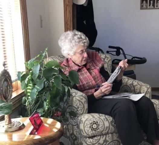 Dorothy Schnieders works crossword puzzle (web)