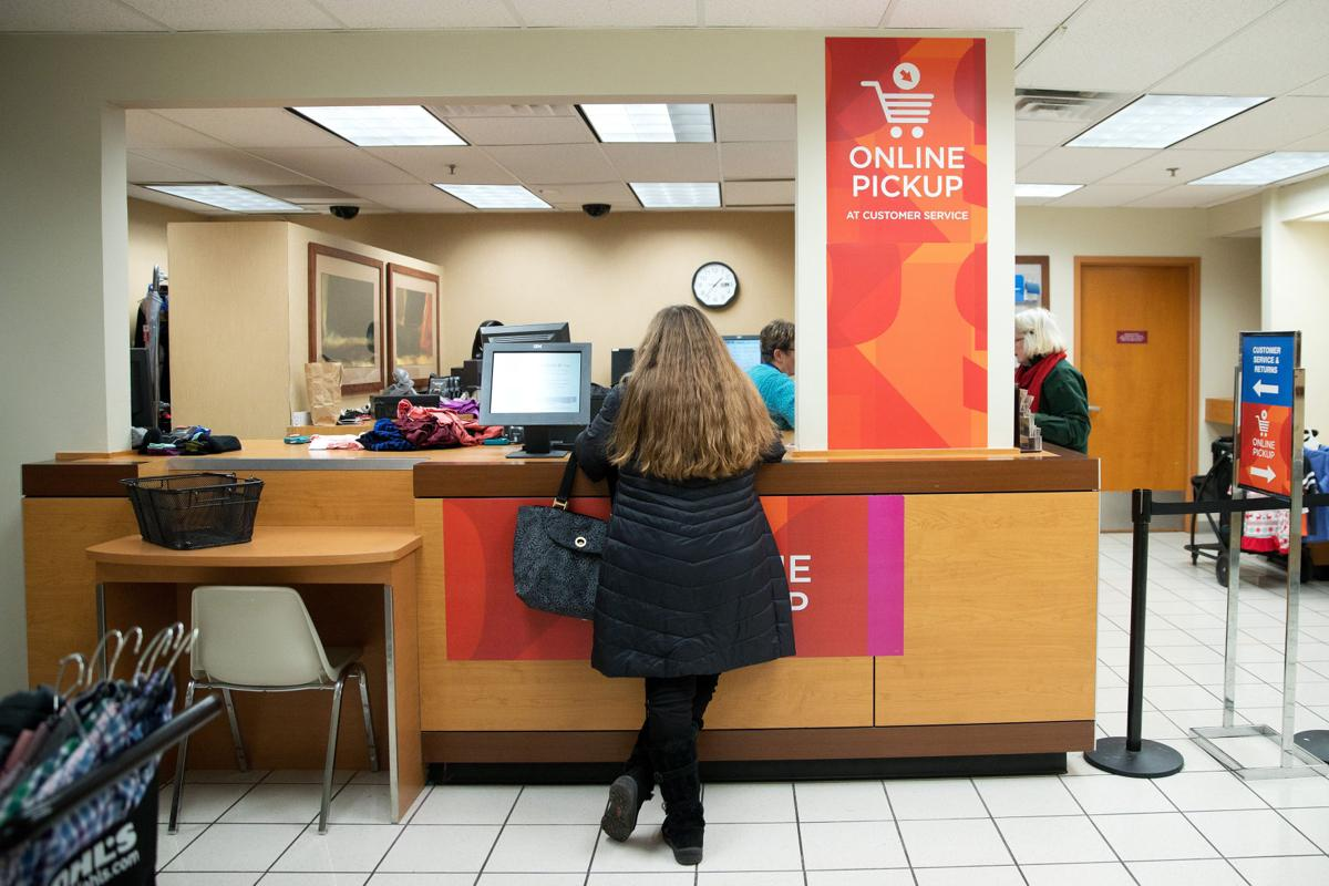 More Shoppers Are Skipping The Shipping Cost And Opting For In Store Pickup Money Omaha Com