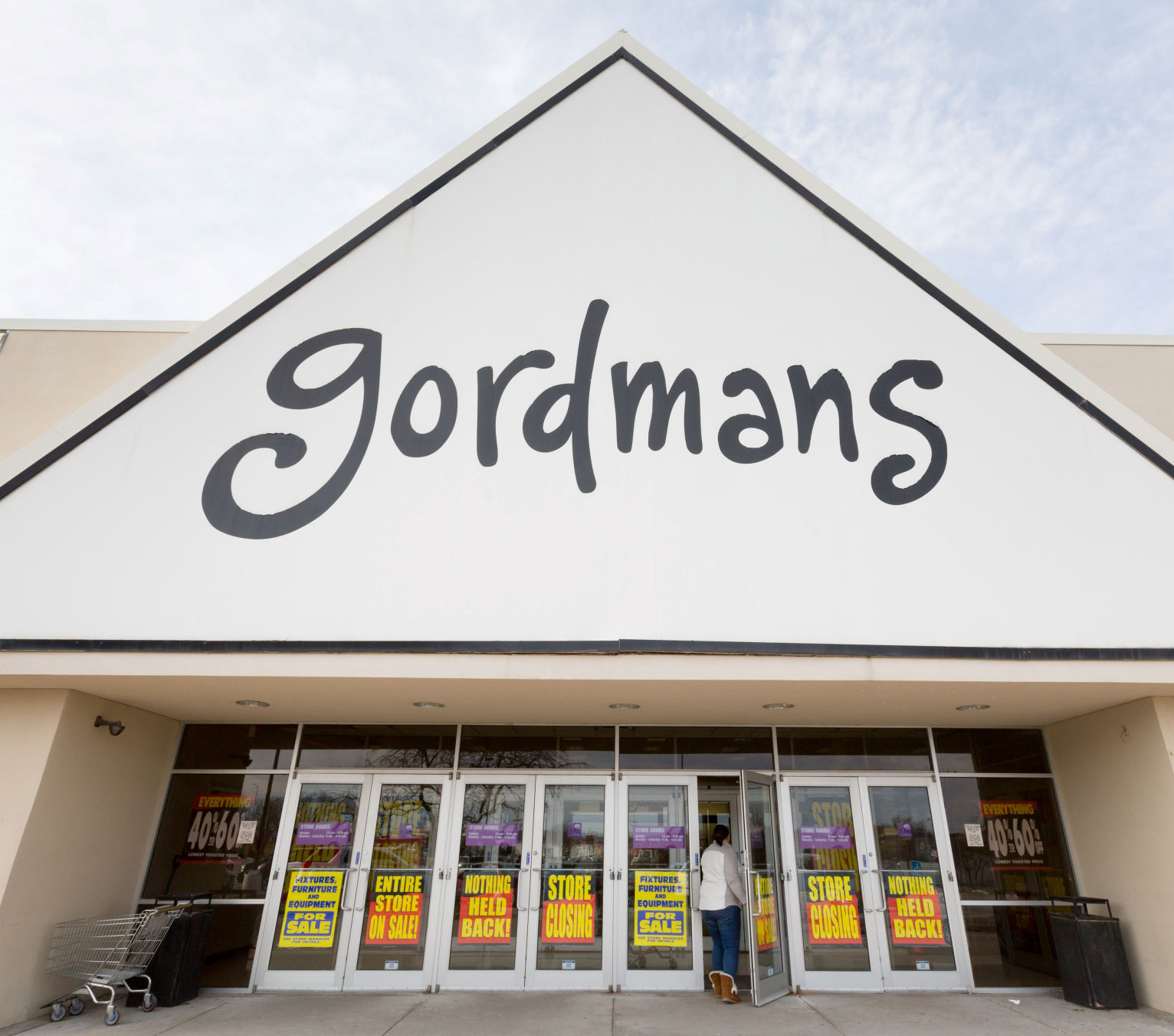Stage Stores, Winner In Gordmans Bankruptcy Auction, Will Operate 50  Locations And Keep Open Omaha Distribution Center | Money | Omaha.com