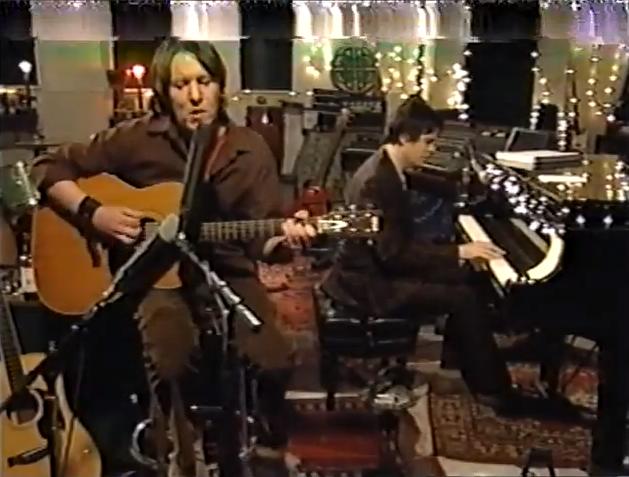 Unreleased Elliott Smith performance now online
