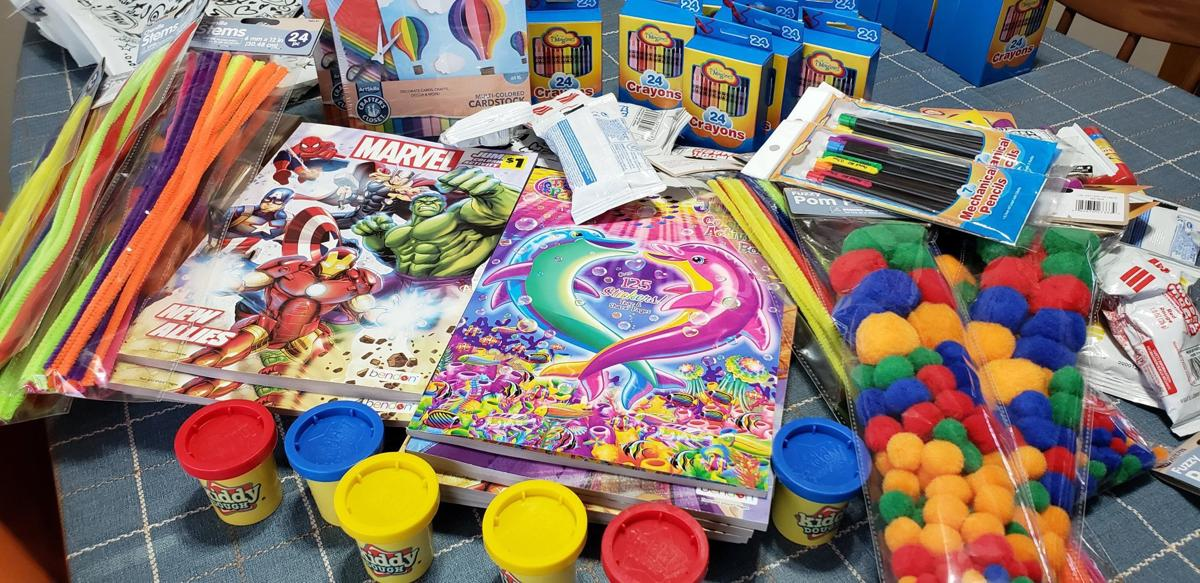 Omaha Couple Lead Effort To Give Free Bags Of Craft Supplies To Low Income Kids Momaha Omaha Com
