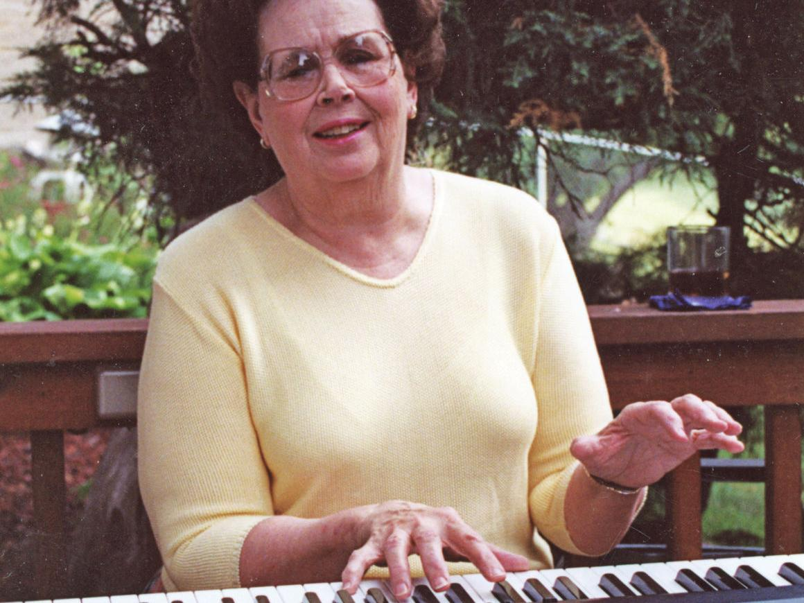 Eleanor McHale, a fixture at piano during Omaha Press Club Shows, 'had the patience of a saint'