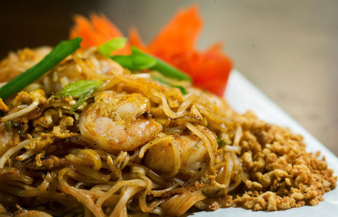 food prowl: you can find omaha's best pad thai at | go - arts