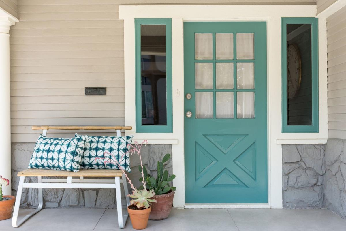 kiley_spe_home_porch
