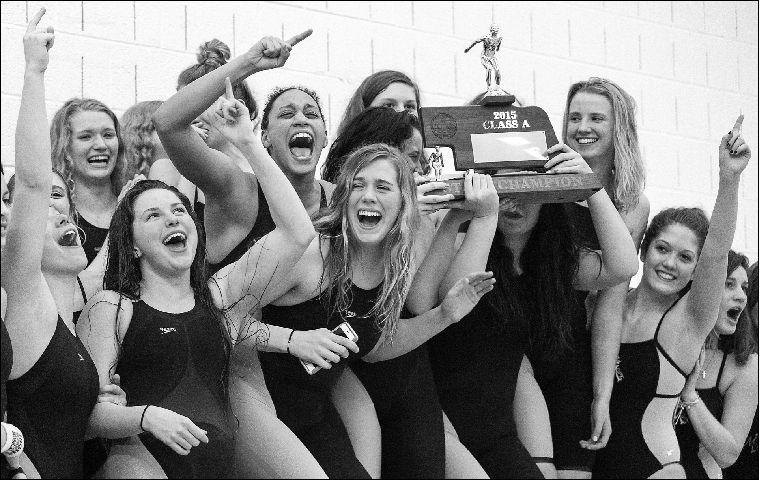 Final relay wins title for Marian