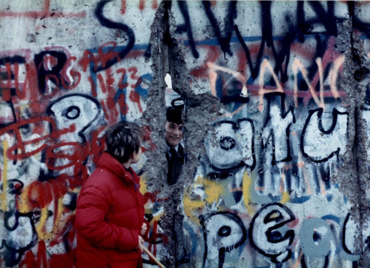 Teska_Berlin Wall_Nov 1989 (2)