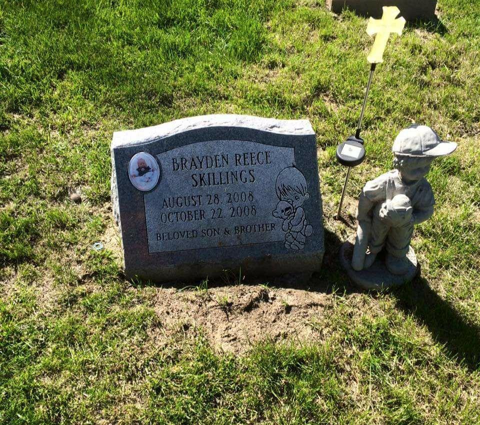 bellevue mother horrified after son s grave is vandalized bellevue