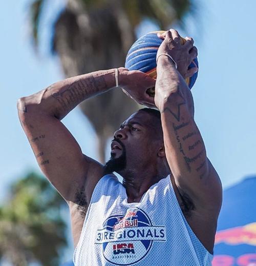 19 Years After His Husker Career Ended Steffon Bradford Is Still A Monster On Basketball Court Men S Basketball Omaha Com
