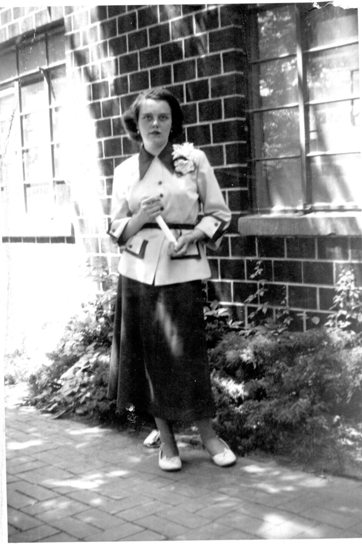 Marjorie Girnus Lessig before polio, age 14 (web)