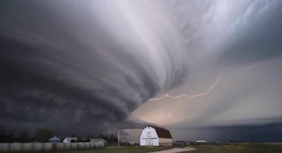 Massive super cell in southwest Nebraska captured by storm researchers